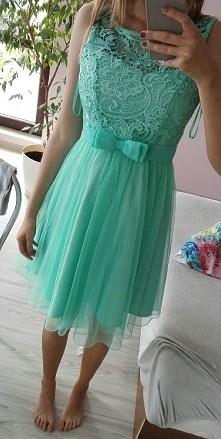 czy taka sukienka pasuje na...