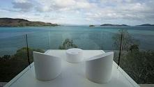 Nowoczesny balkon, niezwykły widok z balkonu i nowoczesny design wyposażenia domu - zainspiruj się! Przeszklony balkon, biały balkon, oszałamiający widok na ocean - zapraszam do...