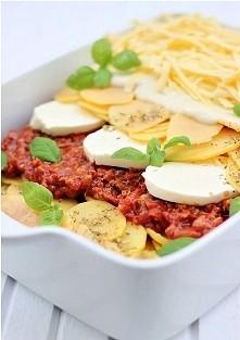 Lazania z ziemniakami: Sos mięsno pomidorowy: * 500 g mielonej wołowiny (może...
