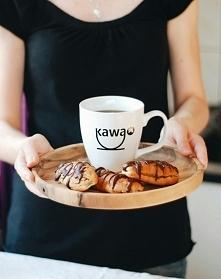 Eklerki przywodzą na myśl smak dzieciństwa. Nasze są kawowo-marcepanowe, świetne nie tylko jako dodatek do kawy. Kliknij w obrazek, aby przeczytać przepis na kawa.pl!