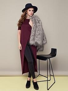 Asymetryczna długa tunika w kolorze wiśniowym. Oryginalna i stylowa, idealna na jesień.   A Wy, do czego byście ją dopasowały? Jakie dodatki? Dajcie znać :)      Więcej modnych ...