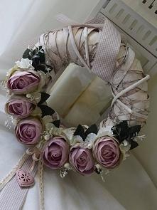Wianek kwiatowy w odcieniu Nude, Dziedzicka Dekoracje