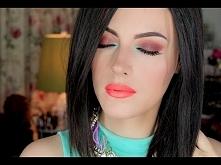 Bright Makeup by Maya Mia