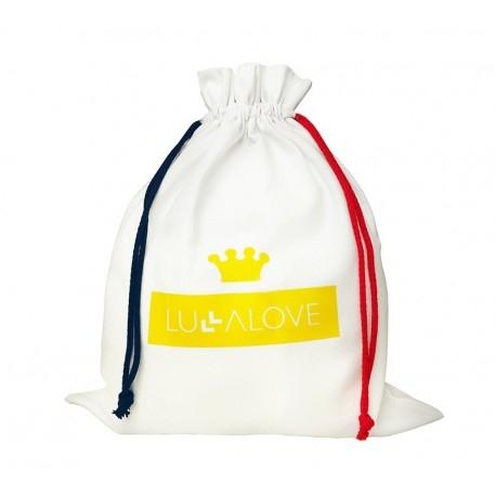 Sprawdzi się podczas podróży, idealny do przechowywania bielizny, rzeczy do prania czy ubranek na zmianę dla dziecka.  Worek na Bieliznę dla Dzieci - Landry Bag  Royal Label od Lullalove.  Niezbędny i praktyczny worek dla mamy i dziecka!  Sprawdźcie sami:)