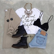 Co myślicie o takiej stylizacji? Wydaje mi się ze ten sweter jest aż za bardzo hipsterski