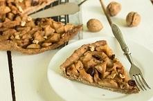 Pełnoziarnista tarta z jabłkami, bakaliami i cynamonem