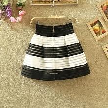 Piękna spódniczka mini. Ciekawe wzory. Klik w zdjęcie.