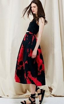 Piękna spódnica midi. Bardzo ciekawy i elegancki wzór.Klik w zdjęcie.