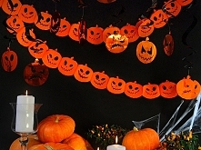 Dekoracje na Halloween - papierowe girlandy w kształcie dyni pozwolą wyczarow...