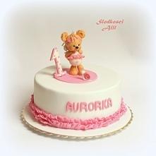 Tort na roczek dla dziewczynki Wszystkie dekoracje wykonję ręcznie z cukru