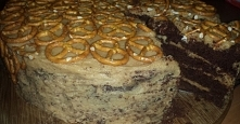 Tort z masłem orzechowym