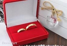 Obrączki ślubne symbolizują...