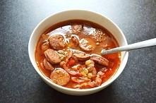Przepis na zupę z zieloną soczewicą i chorizo.  Po przepis klikamy w fotkę :)