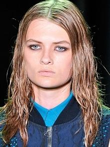 Ble! Jak sobie radzić z przetłuszczającymi włosami??? Link w zdjęciu :)
