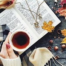 herbatka + kocyk + książka i od razu tak ponury dzień staje się piękniejszy ♥