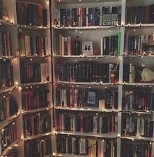 So many book :))