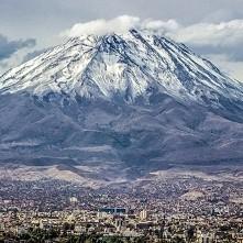 Wulkan El Misti w Peru.  (wysokość 5822 m)
