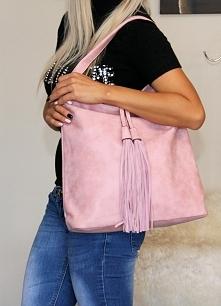 Różowa torebka zamszowa