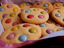Kolorowe Ciasteczka z Lentilkami przepis
