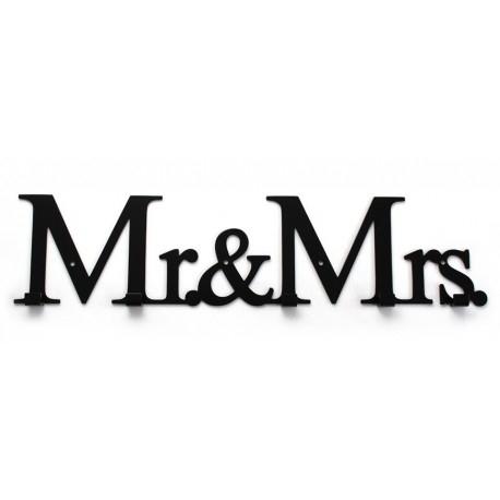 """Kolejny wieszak dla pary po """"Jej & Jego"""". Wieszak Mr & Mrs to wspaniała propozycja na prezent dla nich, dla Pana i Pani domu. Delikatnie i nienachalnie prezentuje się na ścianie.  Doskonały dla siebie, lub na prezent, nawet ślubny. Dostępny online dekorplanet.pl"""