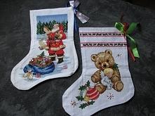 haft krzyzykowy Świąteczne skarpety wyszyte ręcznie. Polecam na wspaniały upominek.Na życzenie gorze mogę wyszyć imię dziecka.