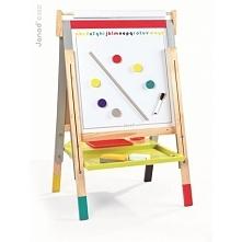 Duża, stojąca tablica 3 w 1 francuskiej marki Janod to doskonały prezent dla małego artysty. Tablica daje trzy możliwości zabawy: na jednej stronie można pisać i rysować kredą, ...