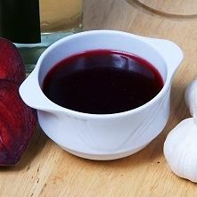 Nie ma nic lepszego niż domowy barszczyk czerwony a z uszkami to już magia :)  Mój sprawdzony przepis:  2l wody 1 kg buraków 100g włoszczyzny 1 jabłko liść laurowy, ziele angiel...