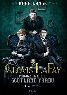 Clovis LaFay ma kłopoty rodzinne. Nieżyjący już ojciec miał reputację czarnego maga, znacznie starszy przyrodni brat jest wrogo nastawiony, a dzieci tego ostatniego… No cóż, na ...