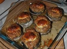Pieczarki nadziewane mięsem mielonym Składniki  6 dużych pieczarek 25 dag mię...