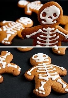 Jesień kojarzy mi się z halloween. Ciasteczka ozdobione biała czekoladą przed...