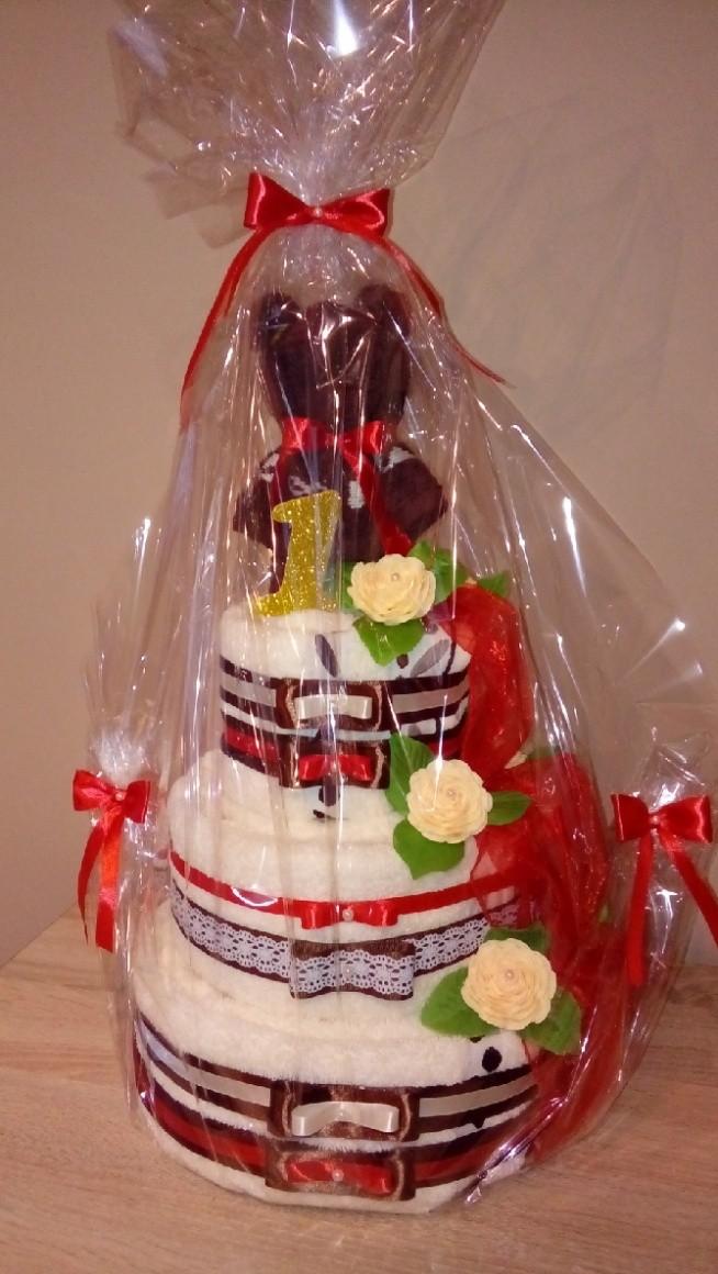 Chłodny Tort z ręczników na 1 rocznicę ślubu na zapakowane prezenty SN17