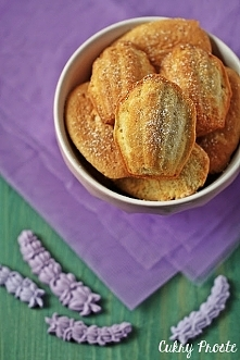 Magdalenki lawendowe - francuskie ciastka w kształcie muszelek o niepowtarzal...