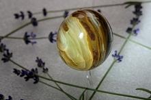 ONYKS - KAMIEŃ SIŁY Nazywany jest również kamieniem wodzów. Niewiele osób ma ...