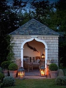 nastrojowy domek w ogrodzie :)))