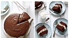 Prosty przepis na ciasto czekoladowe • 120 g czekolady pełnej gorzkiej, połamanej na kosteczki • 125 ml kwaśnej śmietany 18% • 150 g drobnego cukru trzcinowego • 300 g mąki • 3 ...