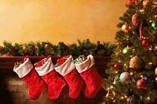 Wiem że do świąt jeszcze daleko ale z czym się Wam one kojarzą?  Mi z mandarynkami, choinką, wigilią ;)