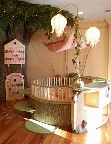 łóżeczko dla dzieci zrobione z drewna