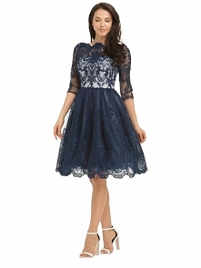 Granatowa haftowana sukienka na studniówkę i wesele