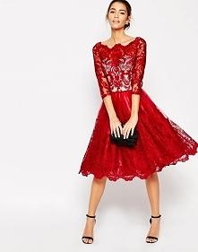 Czerwona haftowana sukienka na studniówkę i wesele