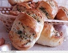 Składniki: (na 12 bułeczek) 400 g mąki pszennej chlebowej typ 750 10 g drobne...