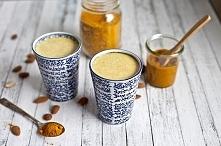 Przepis na złote mleko:  Składniki:  - szklanka mleka kokosowego lub migdałowego  - łyżeczka kurkumy  - łyżeczka imbiru  - łyżeczka cynamonu  - pół łyżeczki oleju kokosowego  Pr...