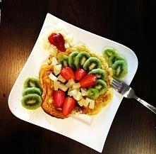 Omlet na słodko z owocami