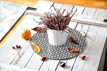 Jesień ma tyle pięknych kolorów, dlatego warto przenieść ją do swojego wnętrza. Dzisiaj na blogu mam dla Was kilka banalnych pomysłów na jesienne dekoracje w salonie i nie tylko.