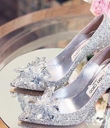 Prawdziwe buty Kopciuszka. ...