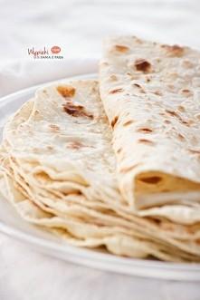 Jak zrobić domową tortille? składniki na 8 dużych sztuk: 2 szklanki mąki psze...