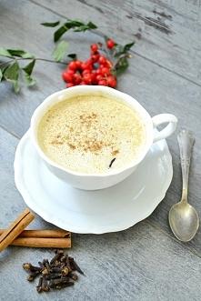 Wegańska kawa z syropem dyniowym bez cukru. Przepis po kliknięciu w zdjęcie.