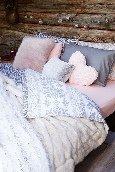 dekoracyjne poduszki w domu, poduszki na kanapę, poduszki do sypialni, poduszki na krzesła, poszewki na poduszki