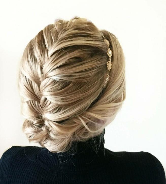 Jak wykonać tę fryzurę? Krótki tutorial na instagramie