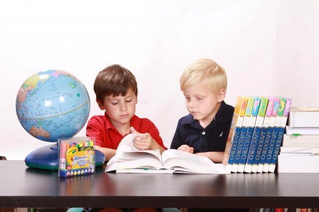 Poradnik i wskazówki dla rodziców: Jak nauczyć dziecko odpowiedzialności szkolnej?