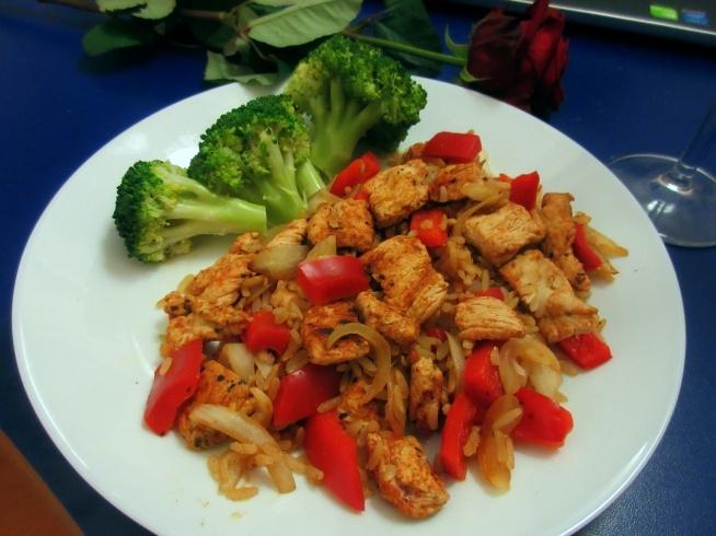 05.11 Obiad - indyk,papryka, brokuly i ryz pelnoziarnisty